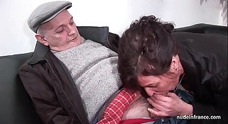 Amateur mature hard Double penetration and facialized in 3way with Papy Voyeur